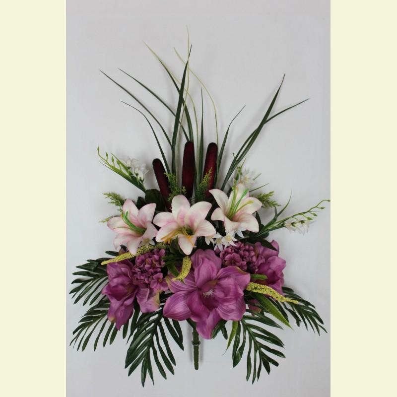 Ритуальный букет магнолия, лилия и гортензия