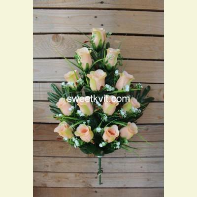 Ритуальный букет роза с гипсофилой, 65 см