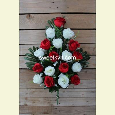 Ритуальный букет роза с писофилой, 60 см