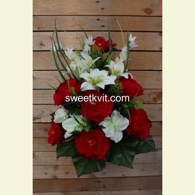 Ритуальный букет пион, лилия, орхидея, 65 см