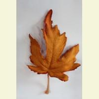 Искусственный лист клена, 13 см