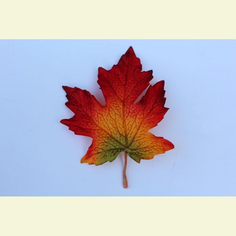 Искусственный лист клена, 15 см