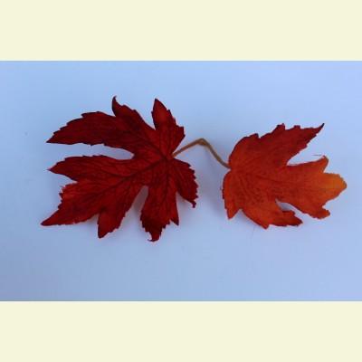 Искусственный лист клена, 19 см